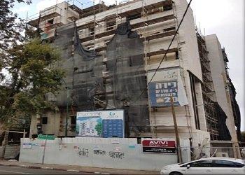 בבנייה